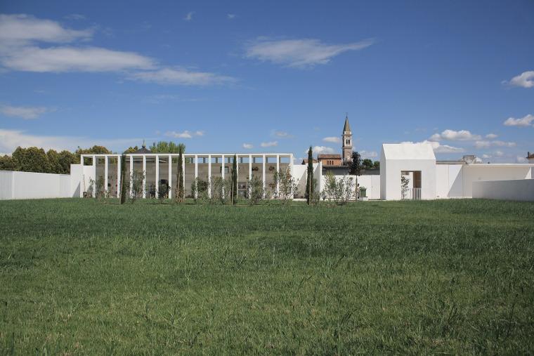 MEGLIADINOS.VITALE公墓的翻修