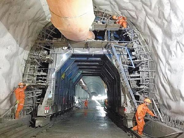 我国隧道光面爆破施工管理工艺取得突破