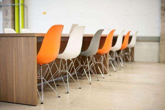 合肥办公室装修设计,赋予这个高挑的空间生命力和温暖感_8