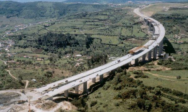 曲线梁桥设计之单梁法、梁格法,搞懂了就厉害了!_1