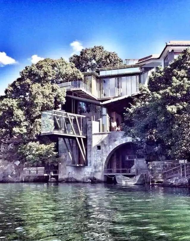 杨丽萍洱海边两处豪宅,美哭了....._2
