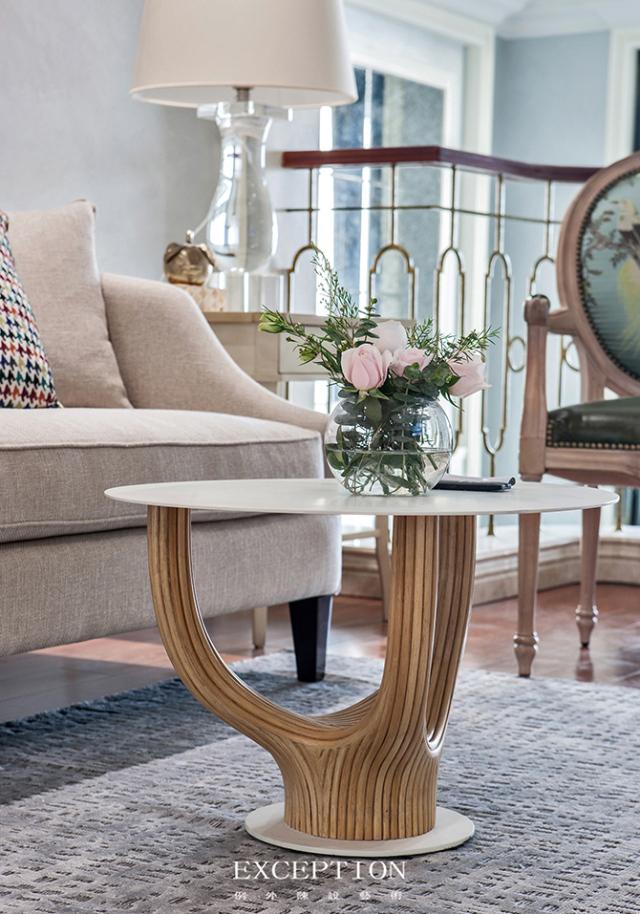 燕尔臻邸--深圳鲸山觐海复式软装设计-  「设计解读.起居室细节」第17张图片