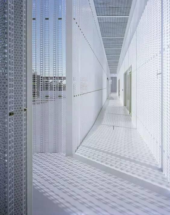 上海穿孔铝板/冲孔铝板幕墙的规格与特点