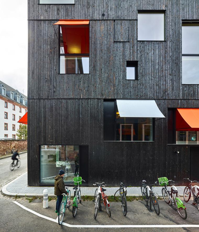法国斯特拉斯堡办公室与住宅建筑-3