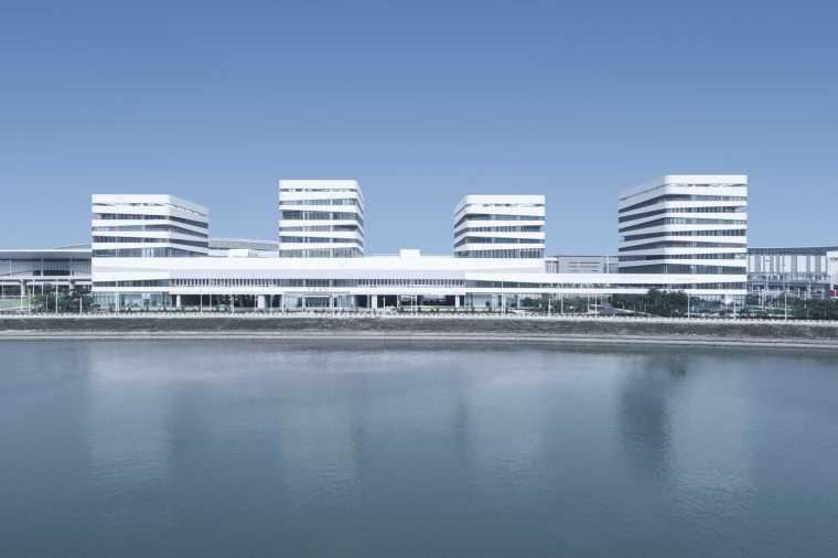 港珠澳大桥珠海口岸办公区工程/华建集团华东建筑设计研究总院