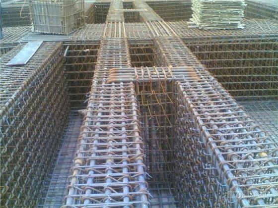 建筑工程施工现场钢筋绑扎图片集锦