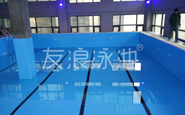 如何建造、经营健身房泳池