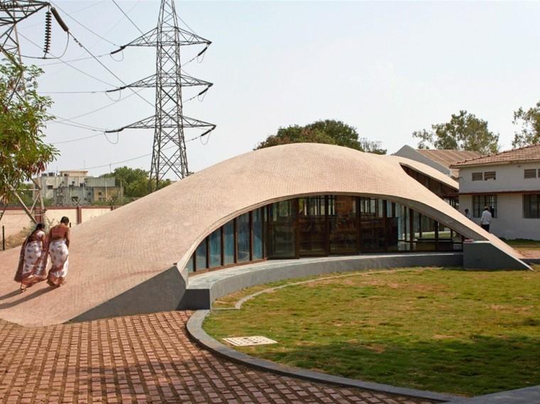 印度砖拱学校图书馆