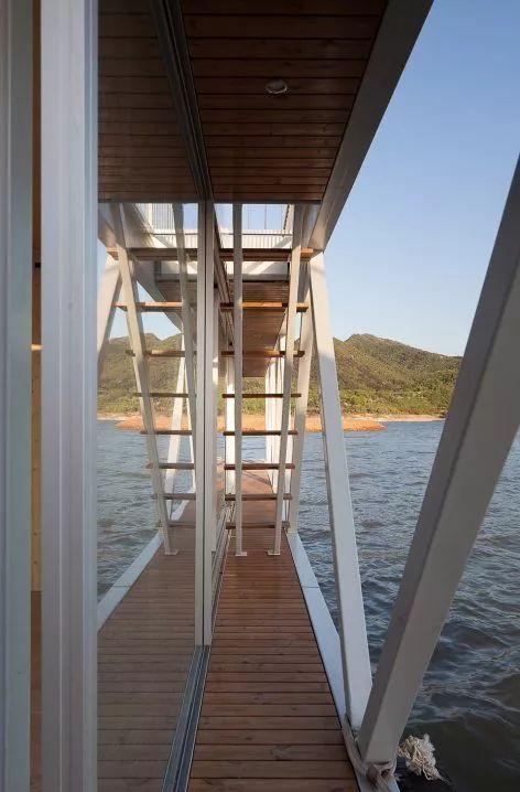 超美的水上筏式酒店設計,美出了新高度_34