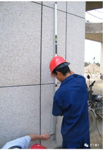 都知道靠尺(检测尺)在施工过程中很常用,但很多人不知道正确使_6