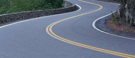 沥青路面产生不平整的原因及处理措施