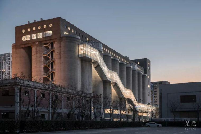 """建筑师爆改""""巨无霸""""老粮仓,除了新增100多米长的扶梯,竟还…_16"""