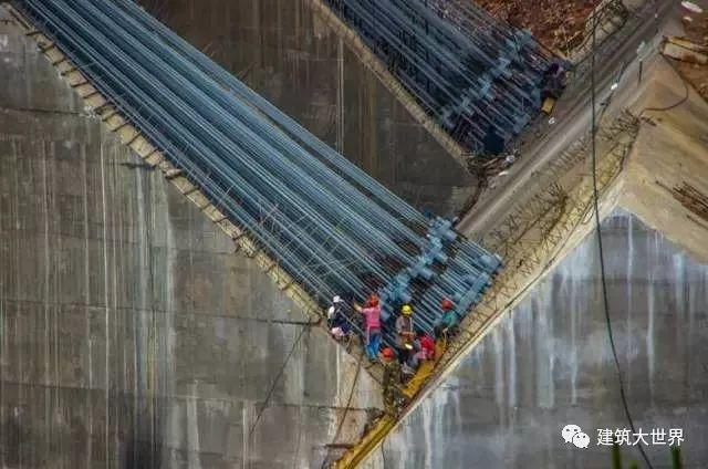 用火箭架桥!云南200层楼高的世界第一高桥!震惊世界!_15