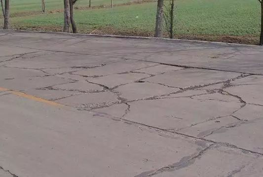 水泥混凝土路面常见的9种质量事故,如何防治?