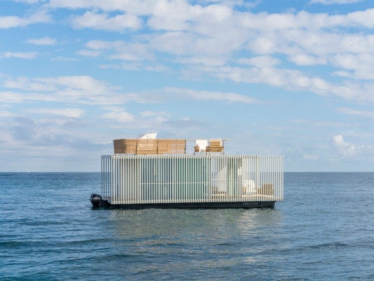 西班牙与大海融为一体的浮动别墅-1