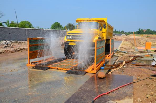 施工现场土方运输车辆扬尘控制管理