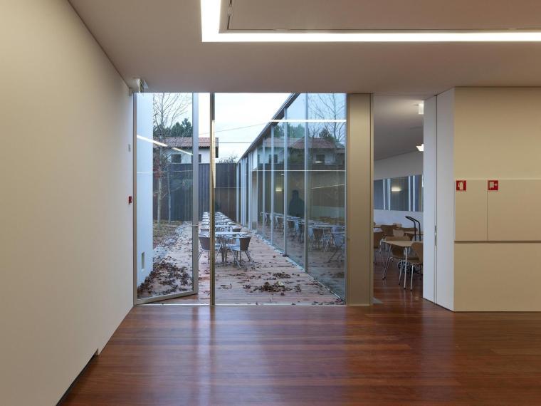 葡萄牙MiguelTorgaSpace文化中心_19