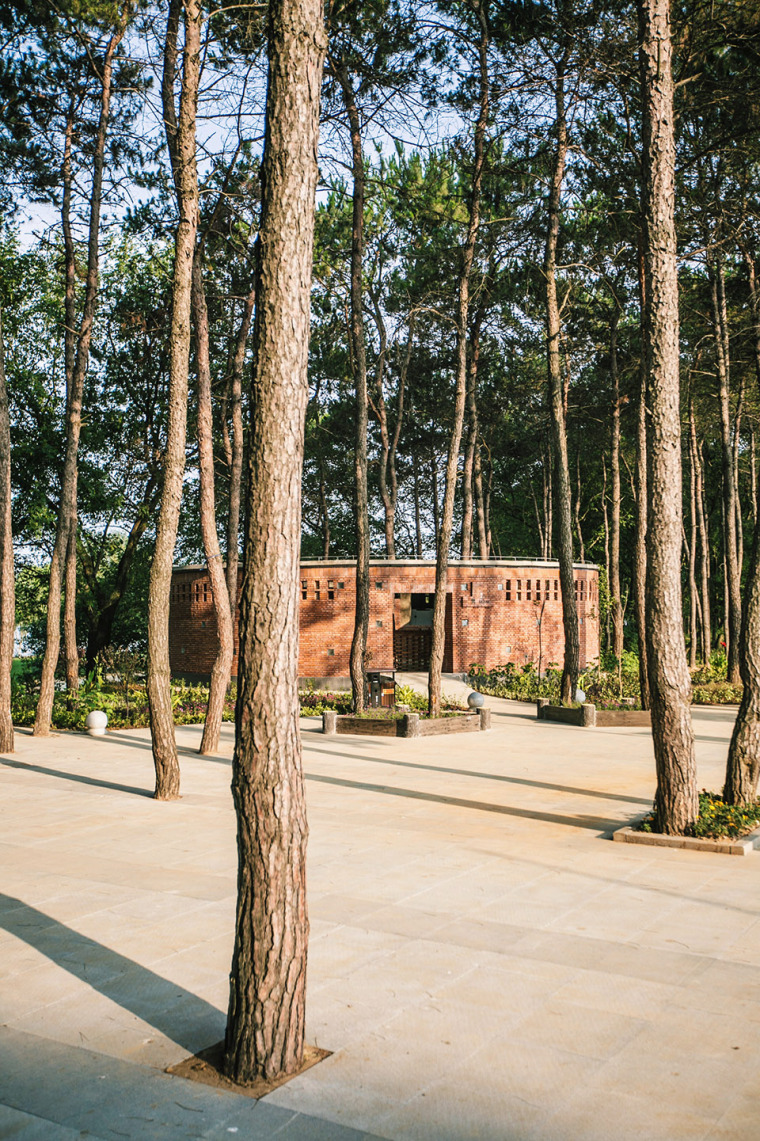 湖北澴河环厕建筑-4