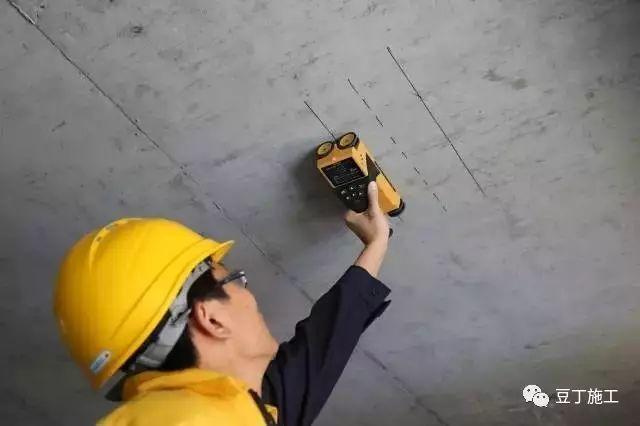 钢筋保护层超厚或不够时,如何处理?