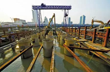 深水桩与陆基桩施工工法差的不是一点?差几点自己看!