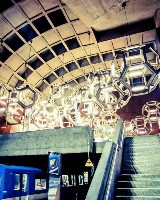 世界最美地铁景观,美到让你不想回家_31