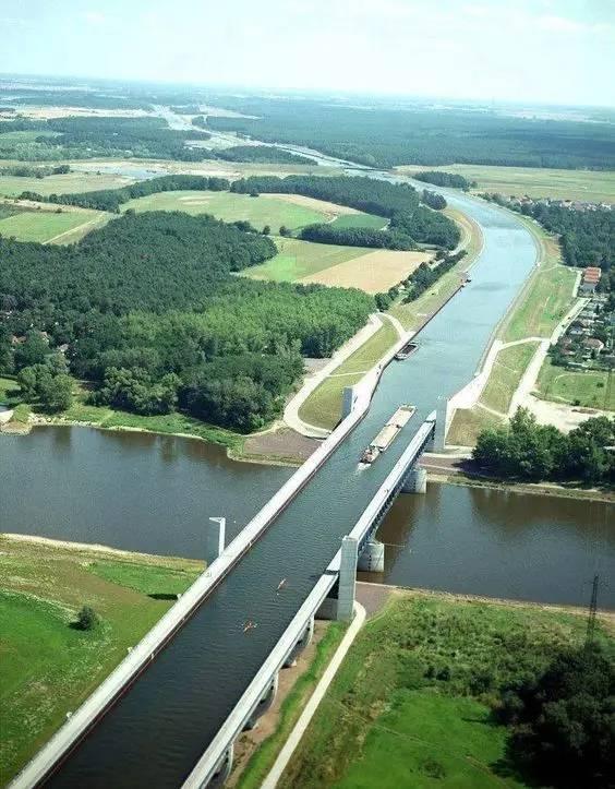 不可思议的桥,竟还有用水做的……_14