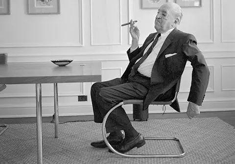 如何快速识别一个建筑大师?看看他设计的椅子吧!