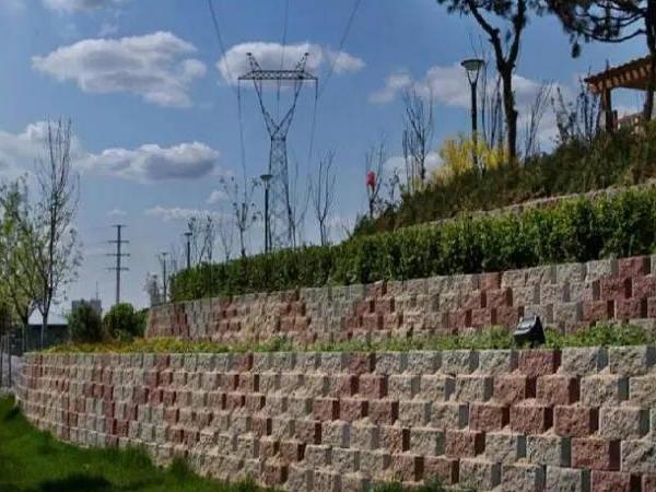 现浇重力式挡土墙施工工艺