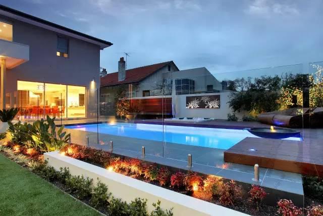赶紧收藏!21个最美现代风格庭院设计案例_66