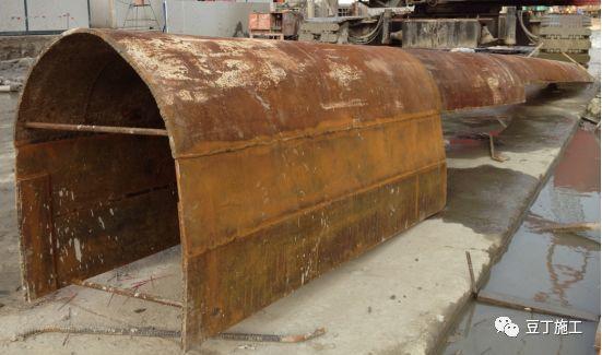 地下连续墙施工过程中,若锁口管被埋,该如何处理?_7