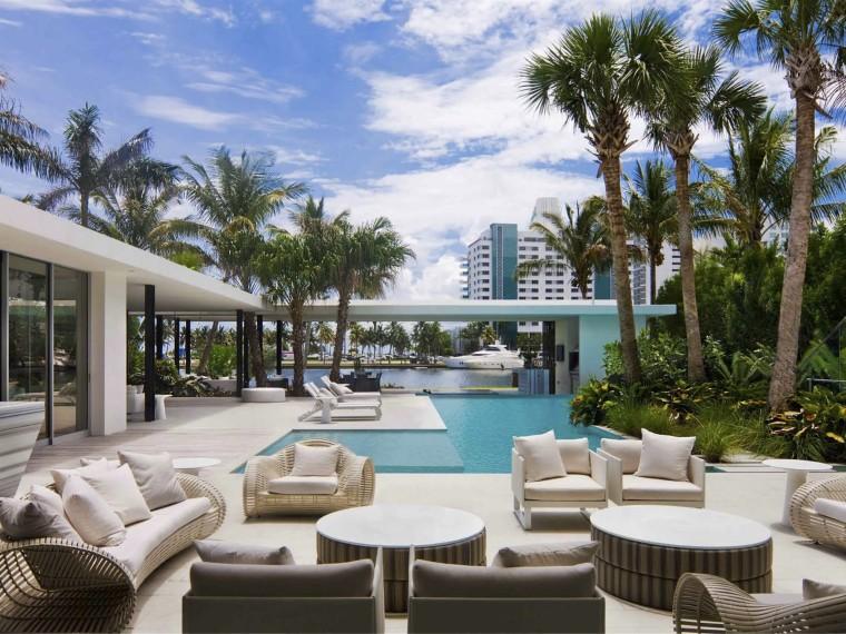 迈阿密海滩融入景观的住宅