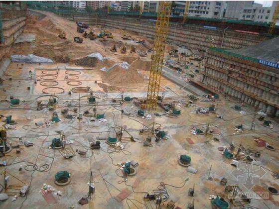 高层住宅楼筏板基础基坑复合支护与土方开挖施工方案