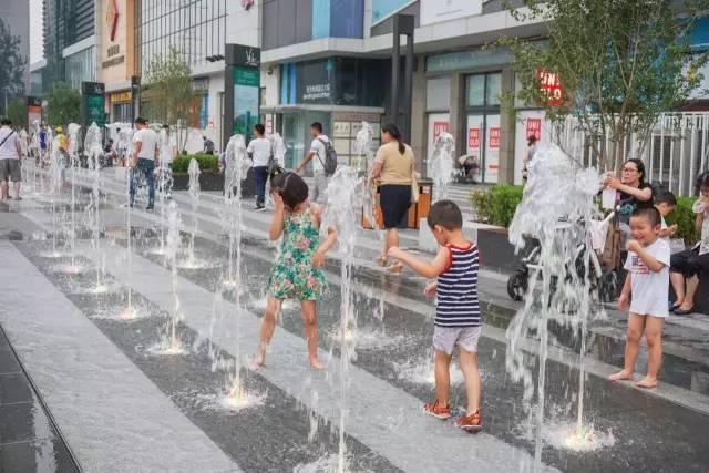 一个单词产生的设计灵感,结果火了北京的商业广场~_24
