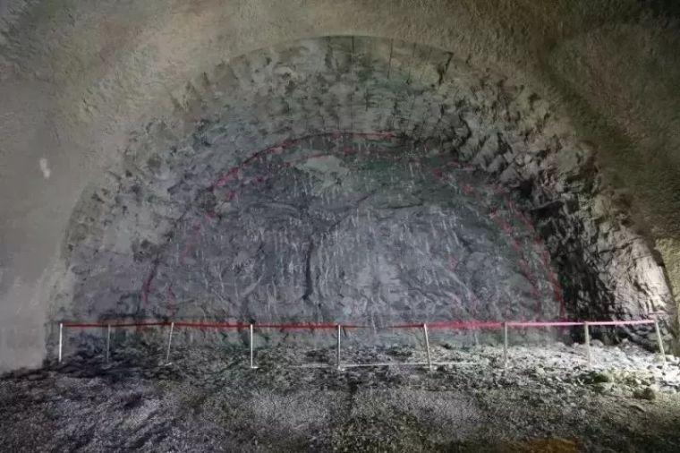 湘西最美高铁取得新进展,又一隧道工程顺利贯通!_31