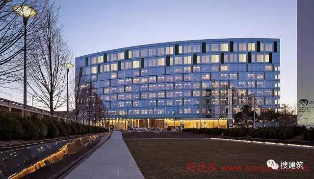 一批优秀的医院建筑案例,分享给大家欣赏……