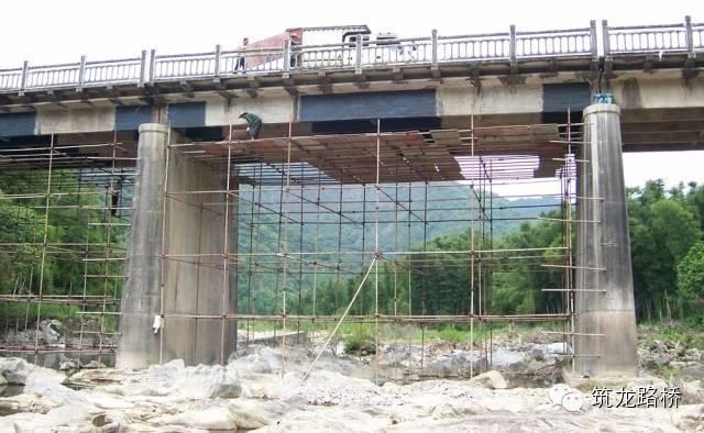 桥梁加固设计与新桥设计哪个更为复杂?