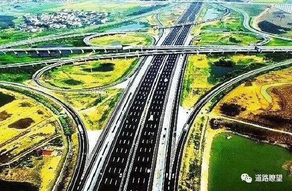 中国公路桥梁建设的历史性成就