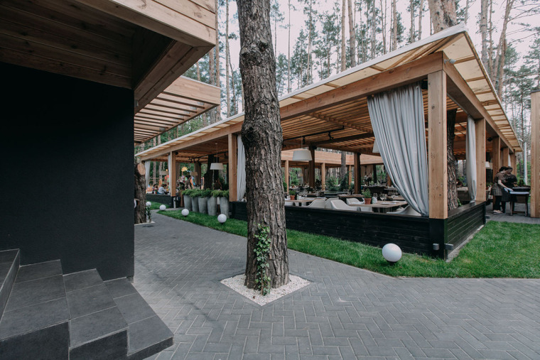 融于自然的基辅ToscanaGrill餐厅_2
