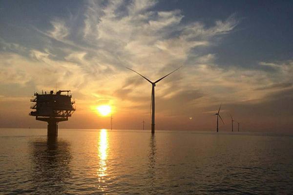 """中国首个""""双十""""海上风电项目全场投入商运"""