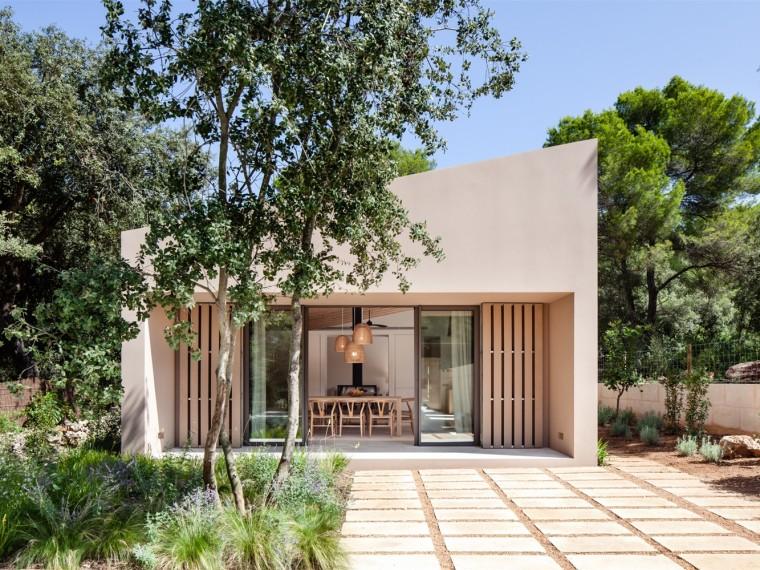 西班牙地中海旁林中居所