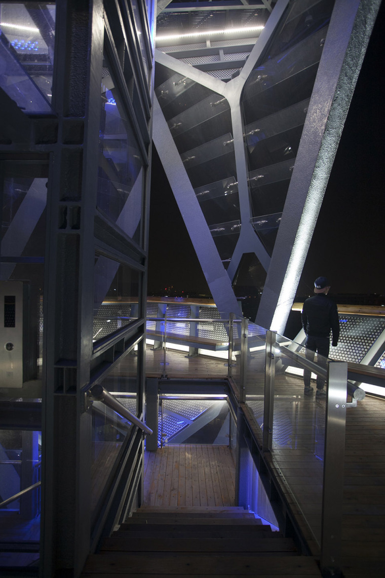科技大学景观塔外部夜景实景图 (7)