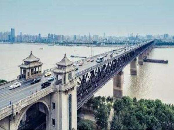 高速铁路特大桥高墩施工方案