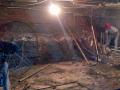 业主私挖2米深地下室建酒窖,物业:对楼体影响不大