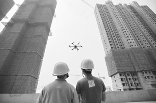 工地引入无人机为在建楼房检查评估
