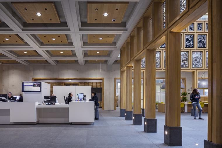 全新代芬特尔市综合体建筑内部实景图 (12)