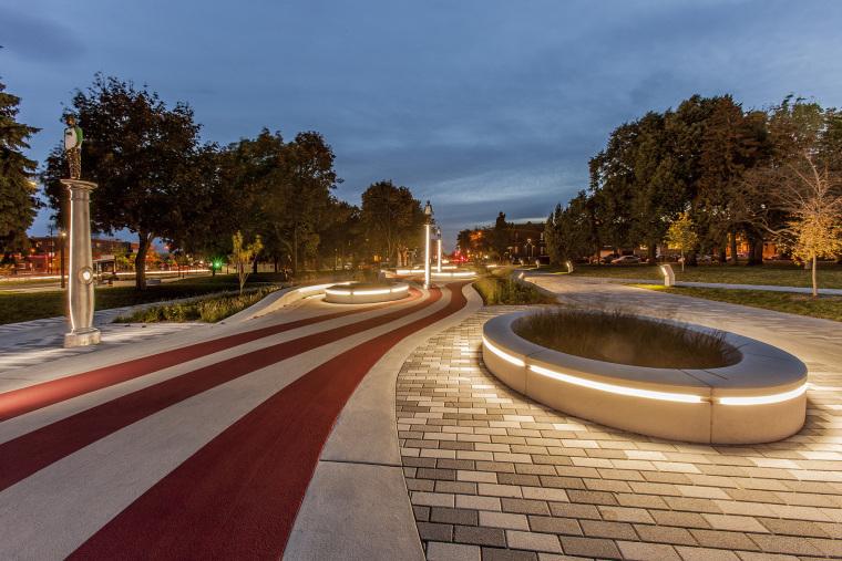 象征生命的Guido-Nincheri公园外部夜景实景图 (7)