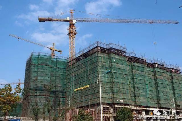 建筑口安全通道资料下载-建筑工地施工现场安全通道长度有何要求?