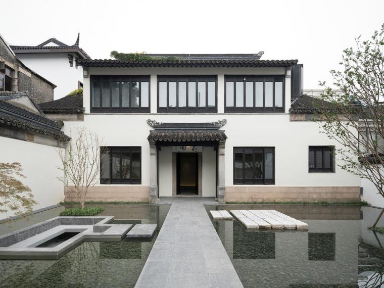 青山周平-苏州有熊文旅公寓