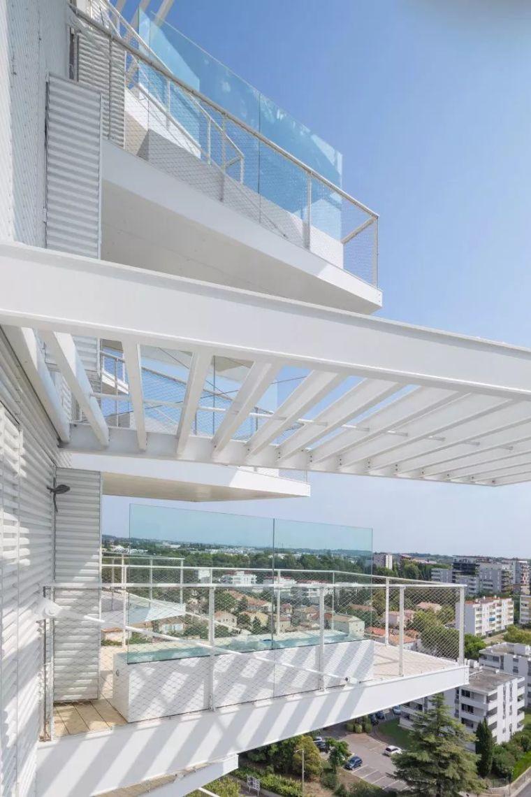 """藤本壮介设计的像树一样的公寓楼建成了,每户都有""""空中花园""""_22"""