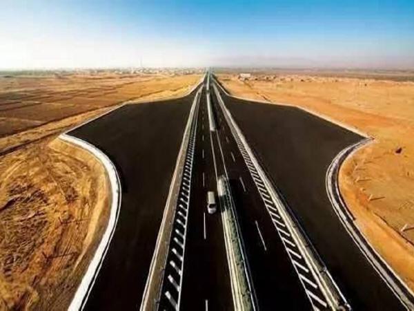 """世界最长穿沙高速公路""""京新高速""""全线贯通_1"""